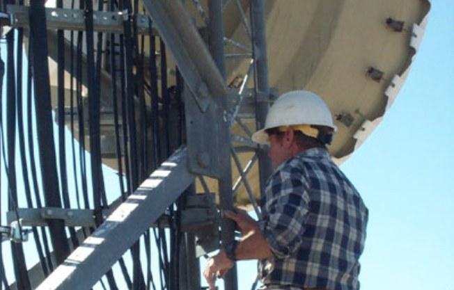 vodafone-wind-workers