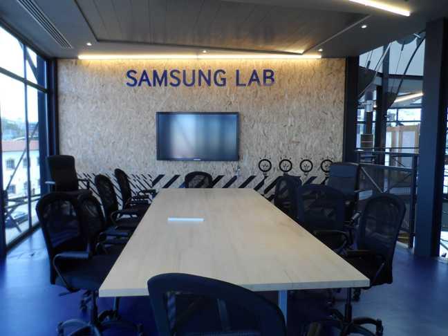 InnovAthens_ Samsung Lab