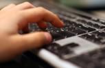 """Εικόνα για το άρθρο """"2014 review: Αμείωτο το ενδιαφέρον των online συζητήσεων για την αγορά της κινητής"""""""