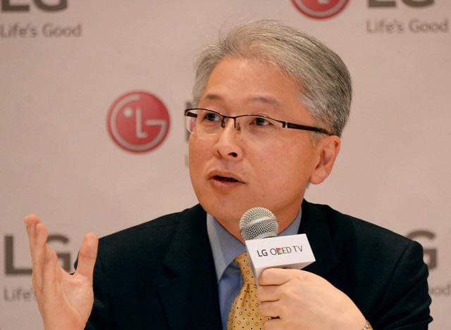 LG_CES2015_LG_HE_Company_CEO_Brian_Kwon_1
