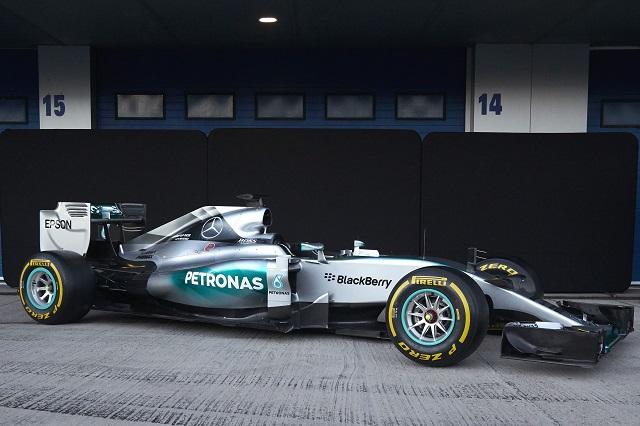 PR_Epson partners with Mercedes_SNE26294