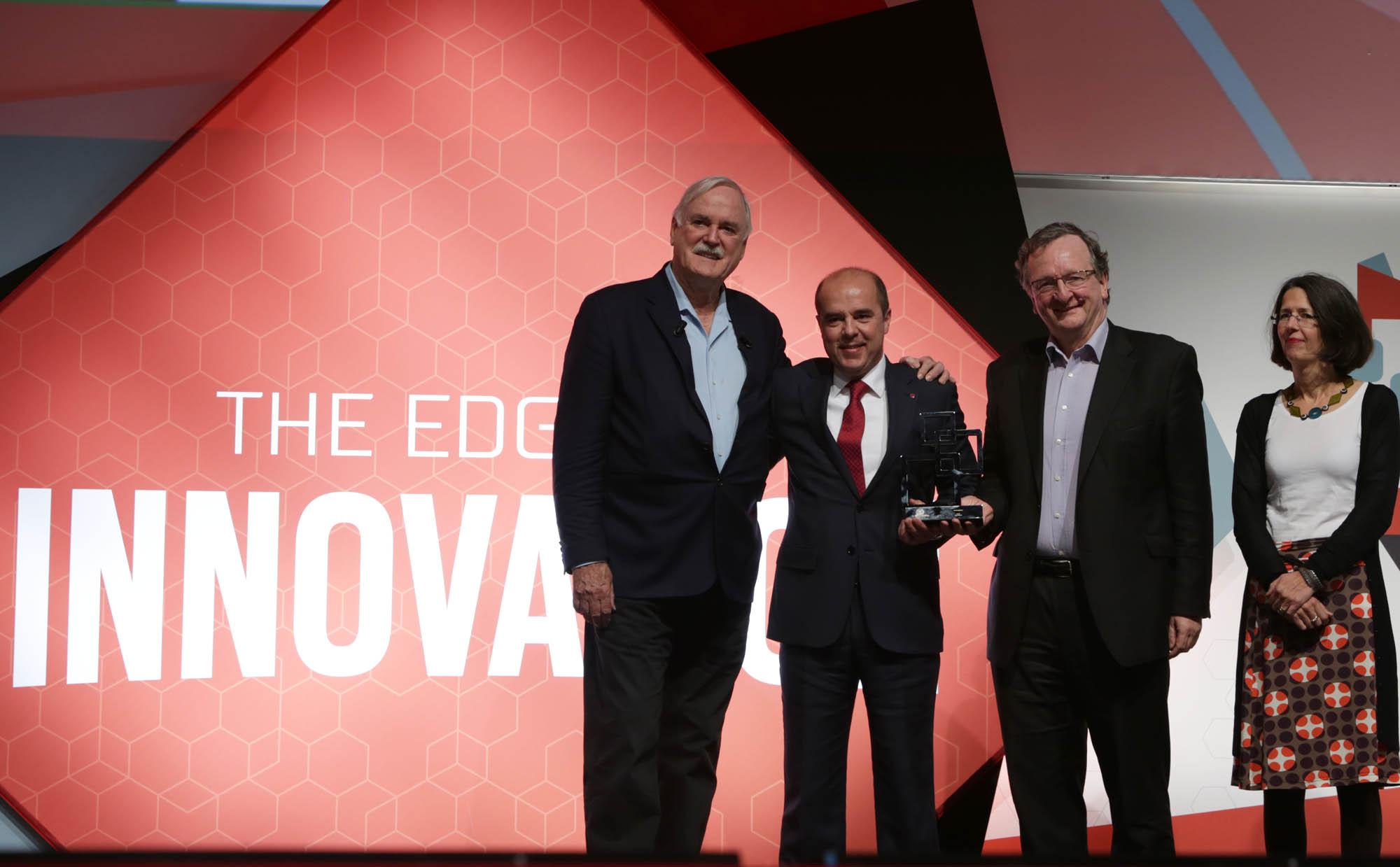 GSMA Award Ceremony_LG G3 Best Smartphone