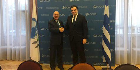 Συνάντηση του Κυριάκου Πιερρακάκη με τον Γενικό Γραμματέα του ΟΟΣΑ